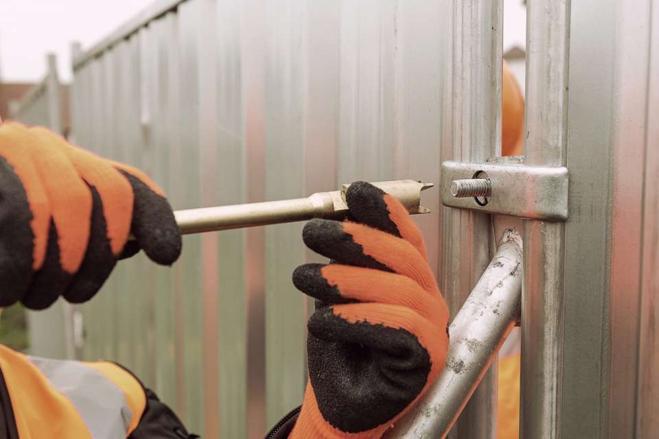 3D M400 Mobile fence + H&E - spikes